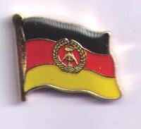 DDR  Flaggenpin ca. 16 mm